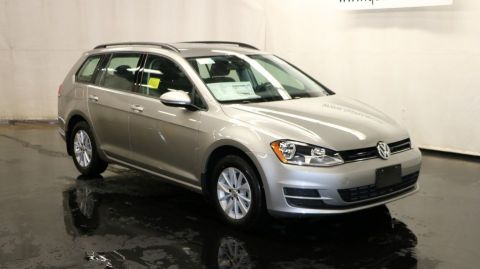 New Volkswagen Golf SportWagen S