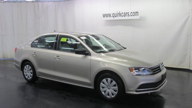 New Volkswagen Jetta Sedan 2.0L S w/Technology