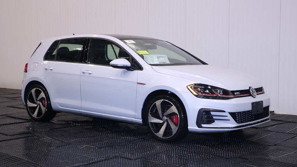 New 2018 Volkswagen Golf GTI SE Hatchback in Braintree #V34912 | Quirk Volkswagen MA