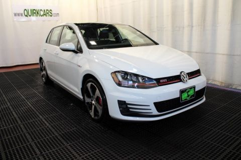 New 2017 Volkswagen Golf GTI SE