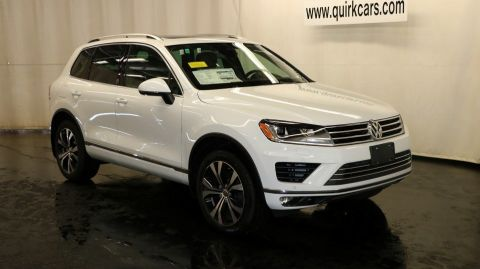 New 2017 Volkswagen Touareg Wolfsburg Edition with Navigation & AWD